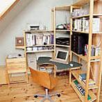 自作デザインできる組み立て家具「イキクッカ」で作った本棚付きデスク例12