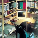 自作デザインできる組み立て家具「イキクッカ」で作った本棚付きデスク例3